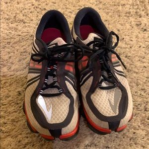 Brooks Pure Connect running shoes. 8.5